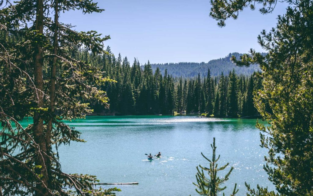 BEST PLACES TO GO STAND UP PADDLE BOARDING IN OREGON Elk Lake