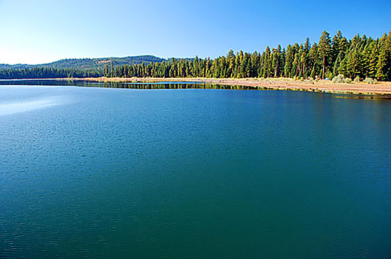 Best Place To go SUP standup paddle boarding in Howard Prairie Lake Oregon
